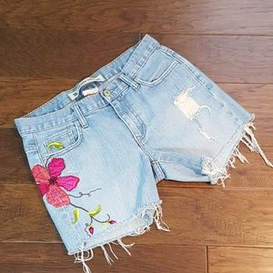 GAP Embroidered Distressed Cutoff Shorts 6 SS39